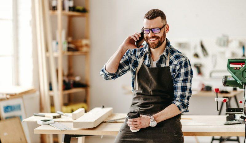 Artisan professionnel dans son entreprise individuelle