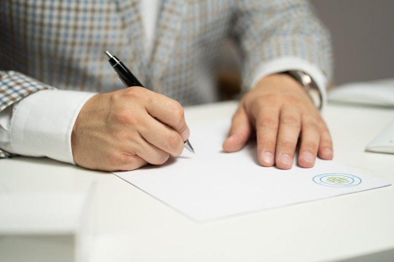 Signature de la clause de non-concurrence