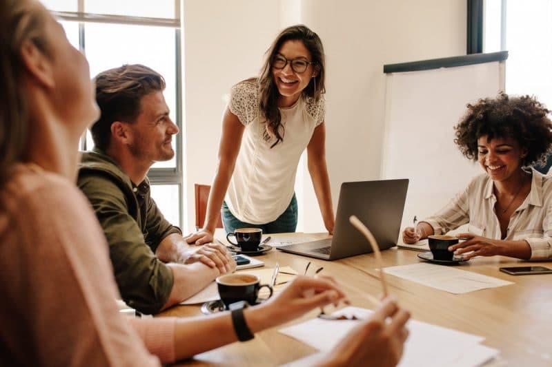 Discussion des aides aux jeunes-entrepreneurs