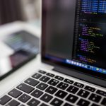Informaticien : rôle et salaire