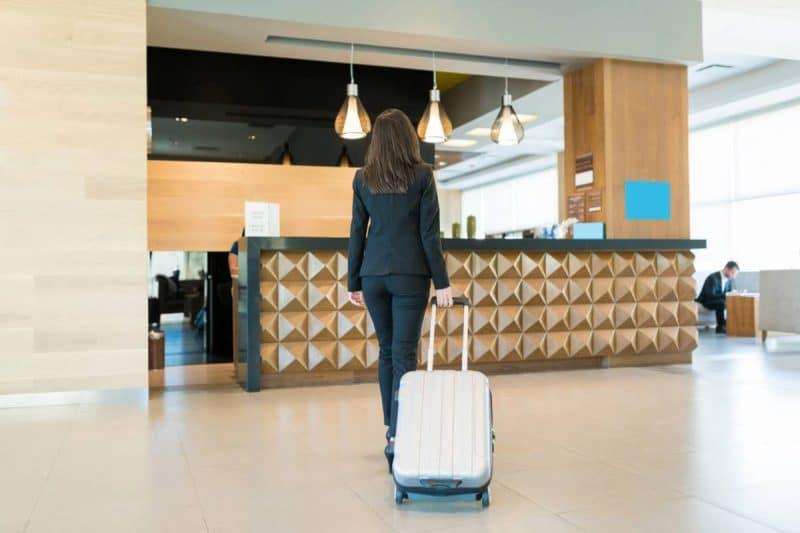 Desertes Comment Hotels Tenir Covid.jpg