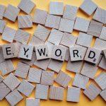 Les outils SEO gratuits et payants pour trouver ses mots clés