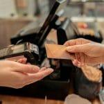 Fintech ou banque traditionnelle : quel terminal de paiement choisir pour son entreprise ?